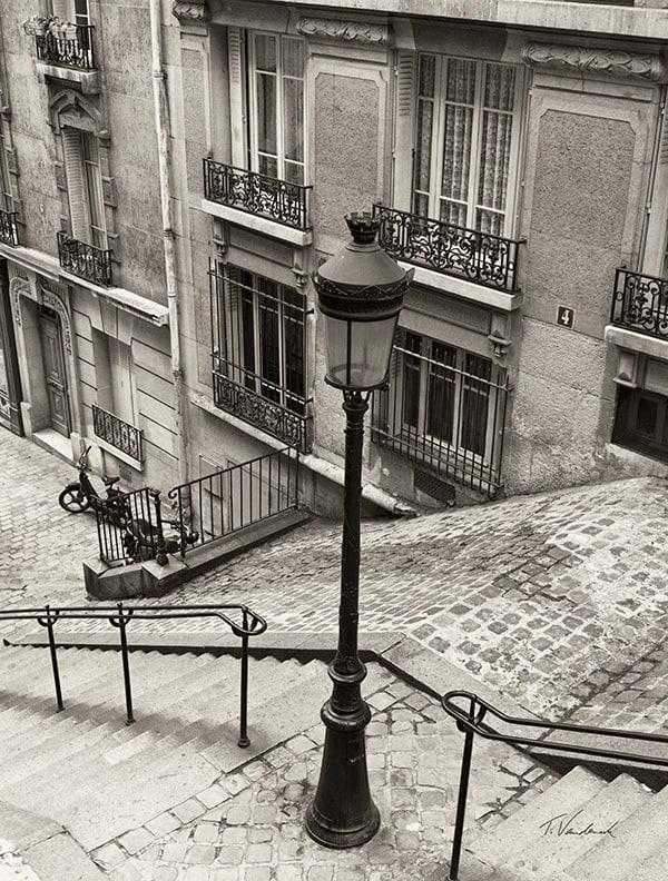 Quatre, Montmartre